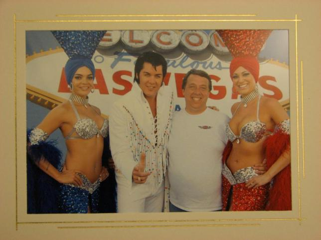 Ian, Elvis, and showgirls - Las Vegas (MTTS2006)