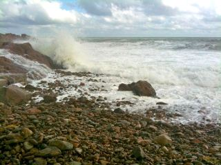 october-17-big-waves-at-bass-rocks