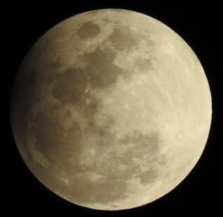 Penumbral eclipse moon, 7:45pm February 2017