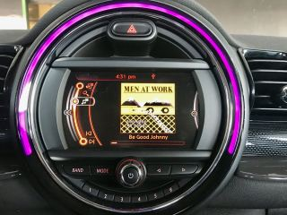 Loaner Clubman, smaller center display