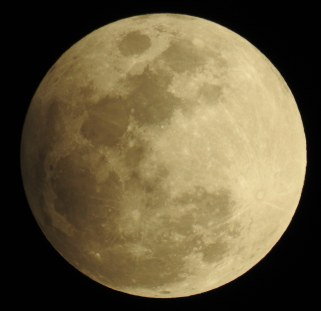 Penumbral eclipse moon, 7:15pm February 2017